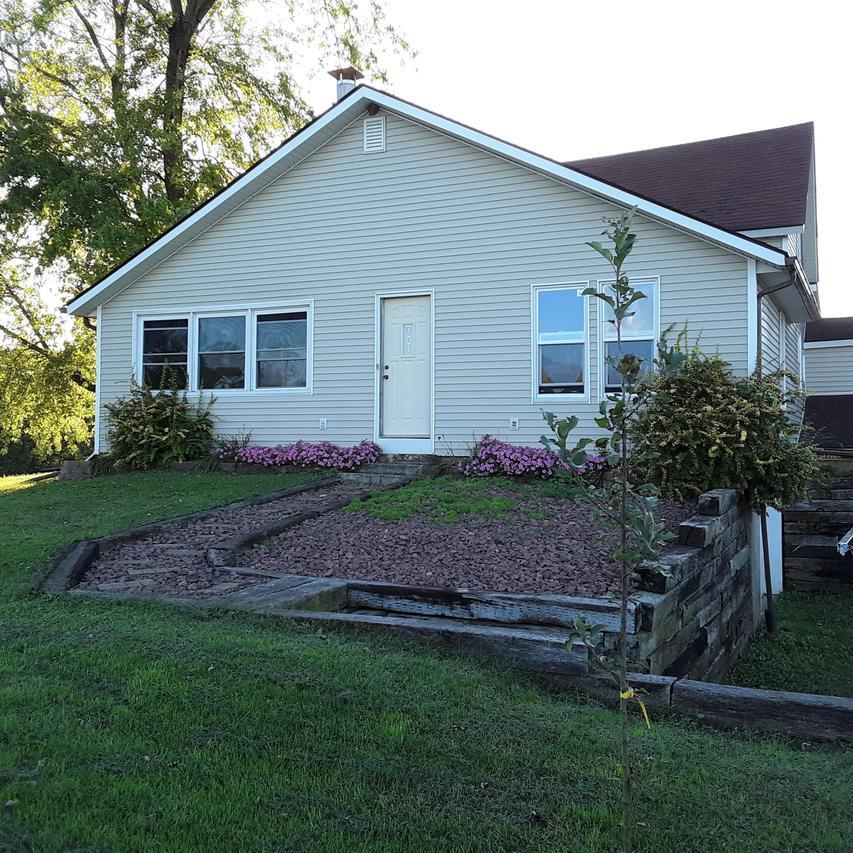 S7637 Moore Rd., Kickapoo, WI 54652