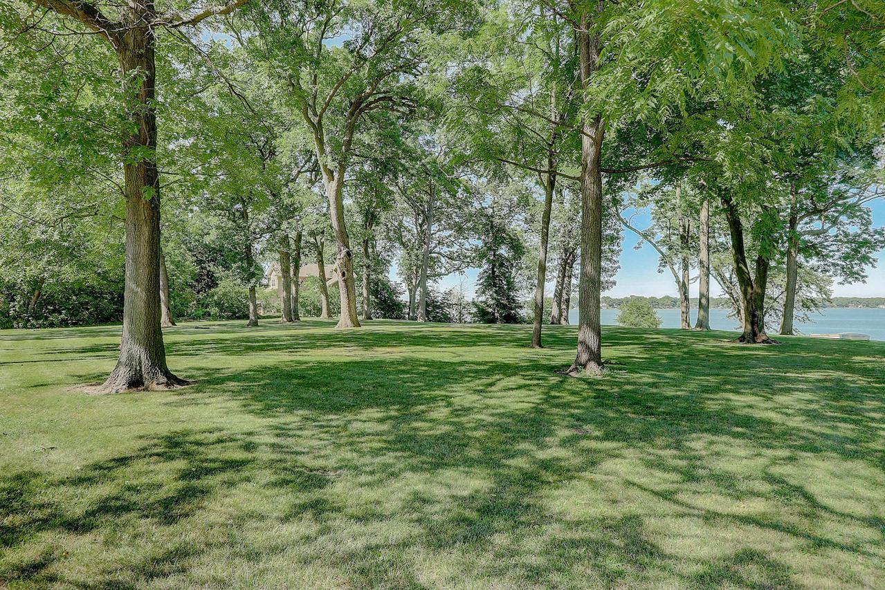 2615 Lakeshore Dr., Dover, WI 53139