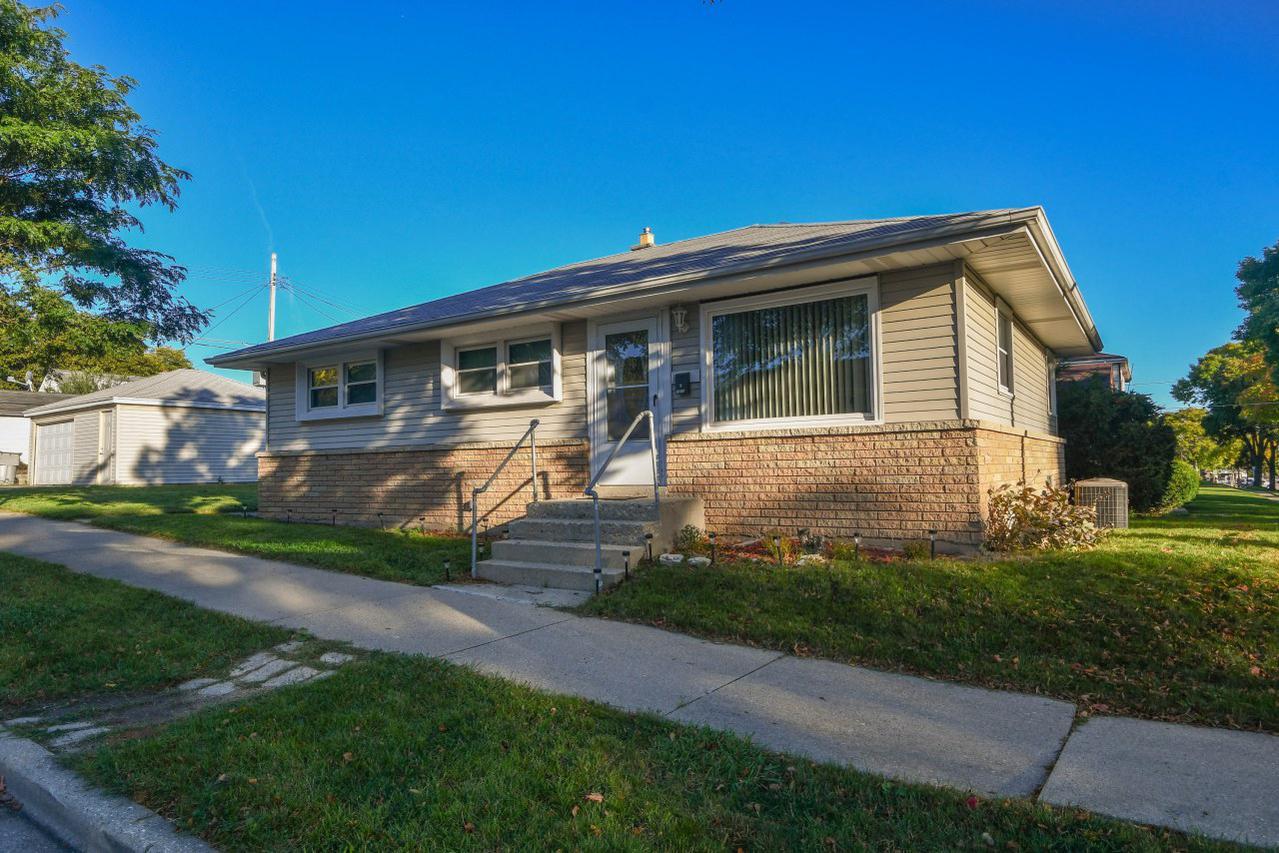 7400 W. Melvina  St., Milwaukee, WI 53216