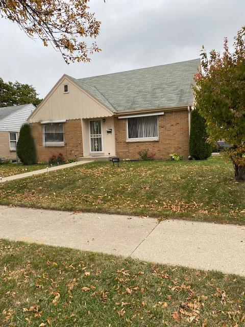 7202 W. Potomac Ave., Milwaukee, WI 53216