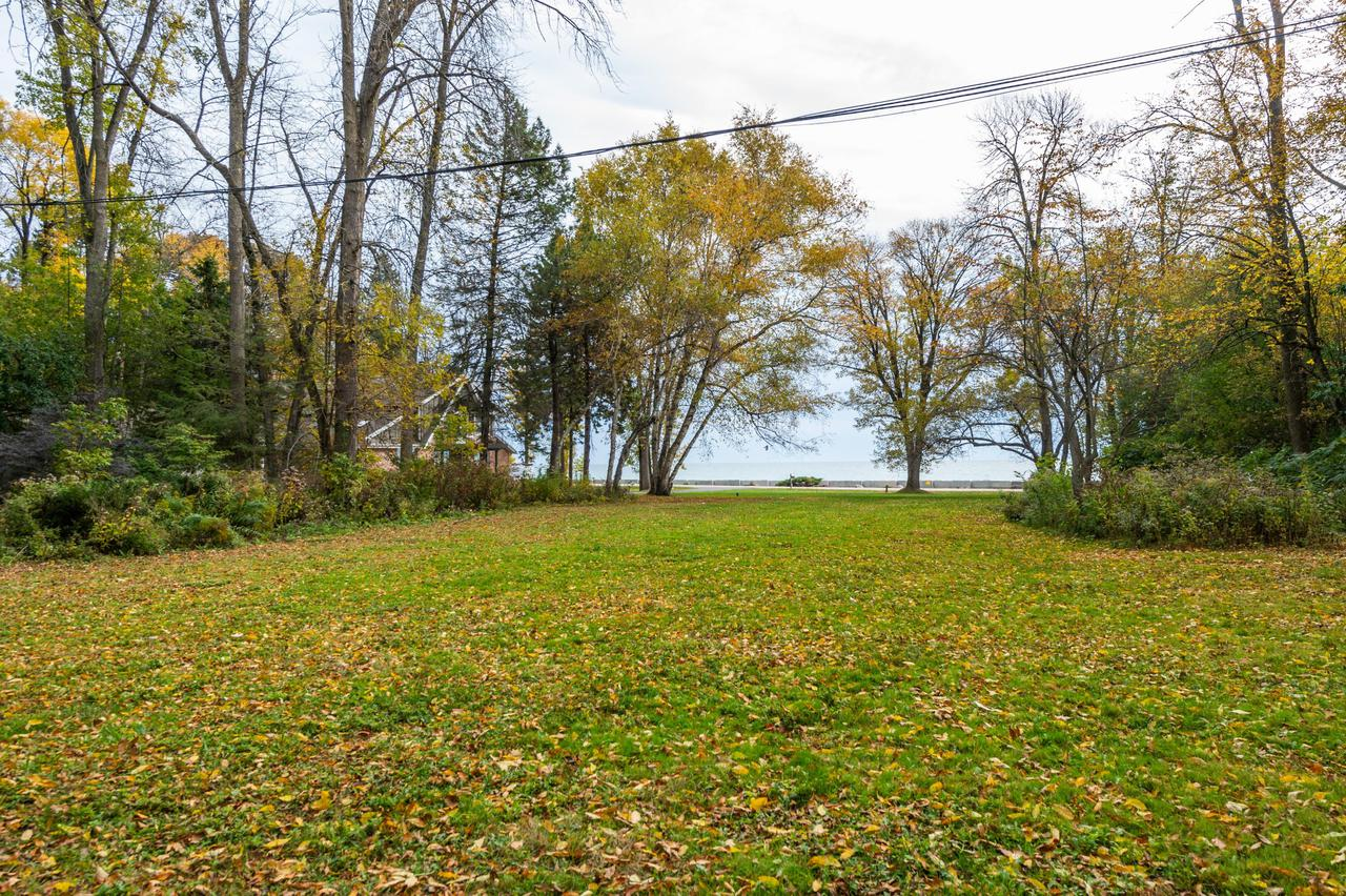 7505 N. Beach Dr., Fox Point, WI 53217