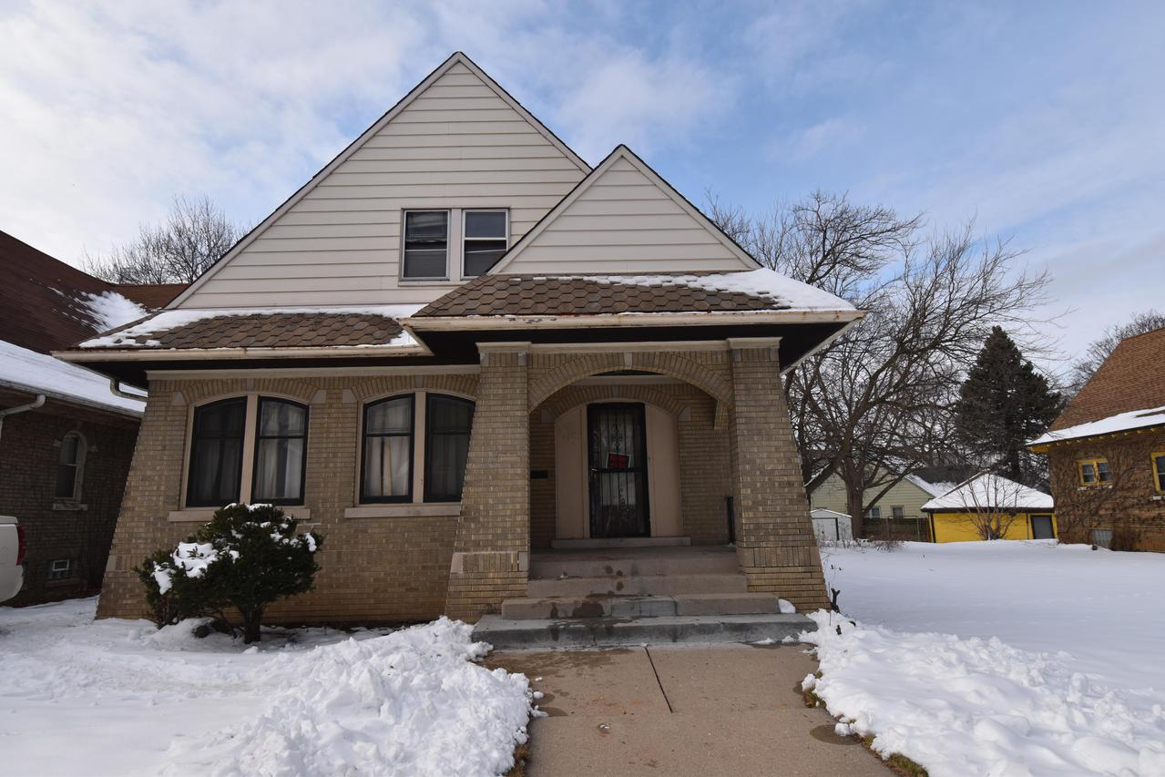 4187 N. 22nd St., Milwaukee, WI 53209