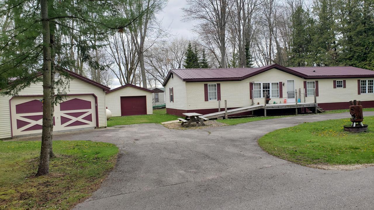 W5823 W. Lewis, Middle Inlet, WI 54114