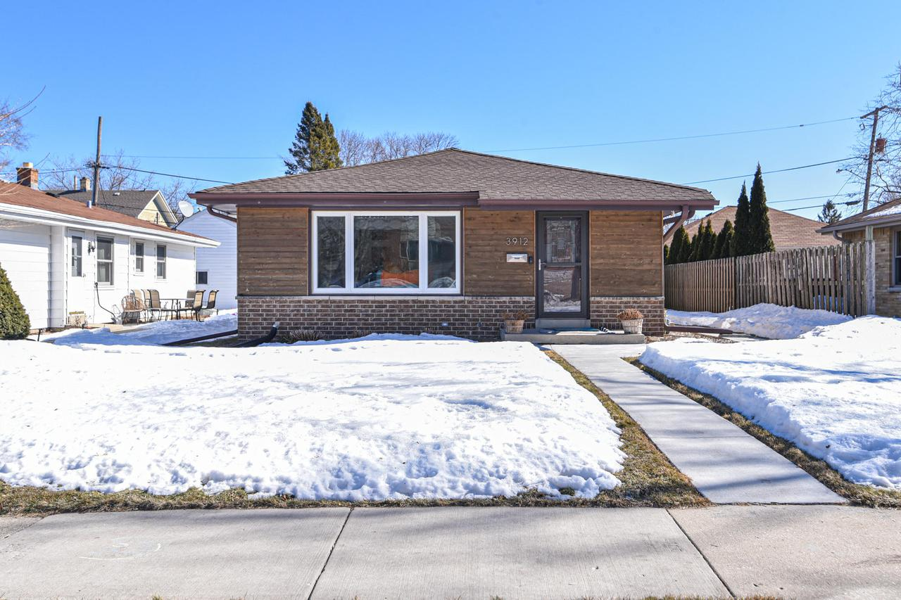 3912 S. Packard Ave., Saint Francis, WI 53235