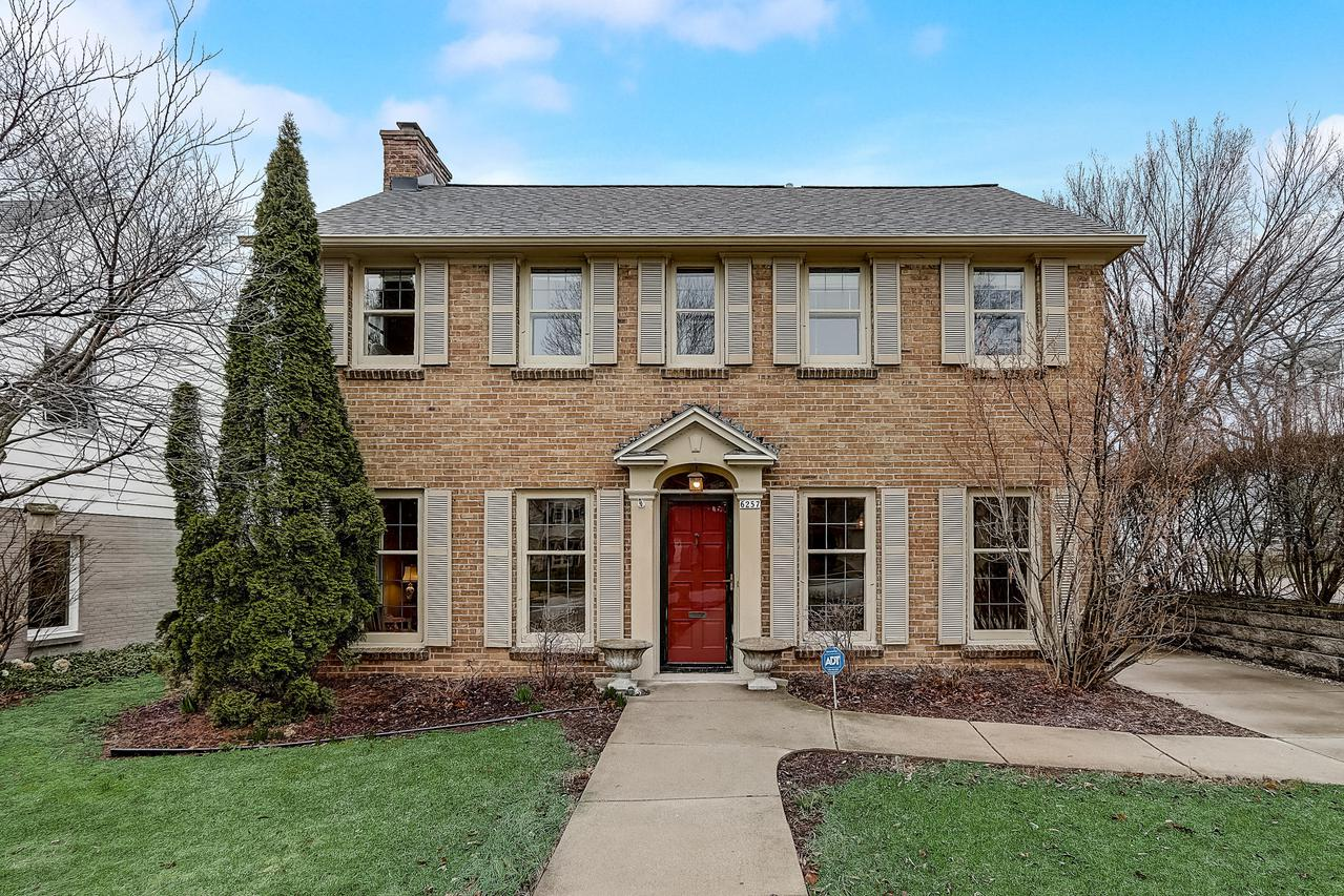 6257 N. Bay Ridge Ave., Whitefish Bay, WI 53217