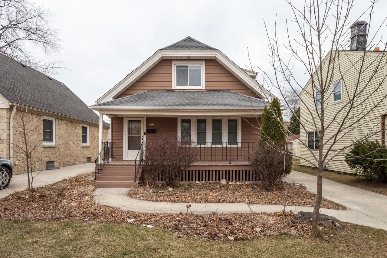 5670 N. Lydell Ave., Whitefish Bay, WI 53217