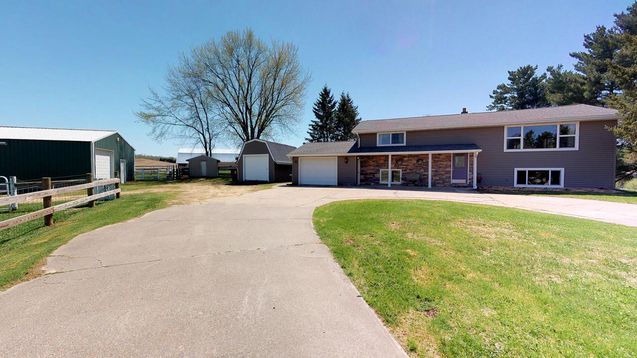 N23376 County Road T, Ettrick, WI 54627