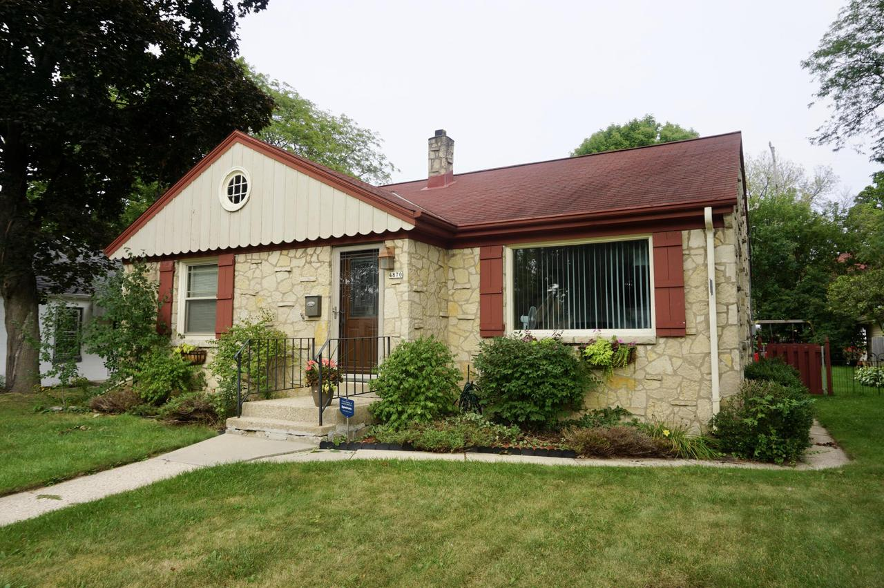 4870 N. Iroquois Ave., Glendale, WI 53217
