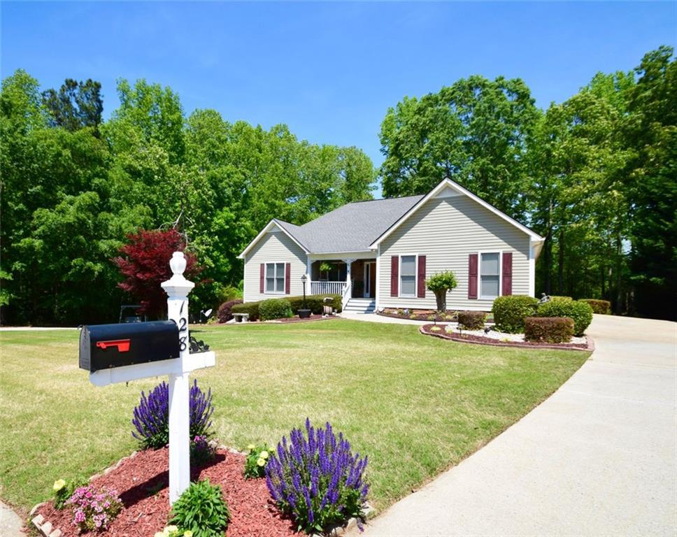 128 Savannah Pl., Douglasville, GA 30134