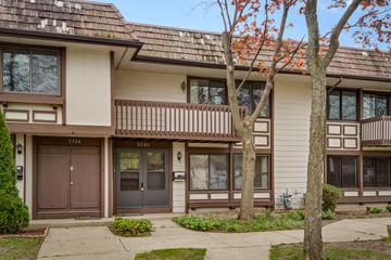 5540 Pebblebeach Dr., Hanover Park, IL 60133